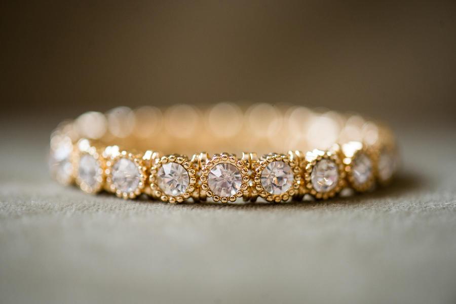 bride jewelry wedding day