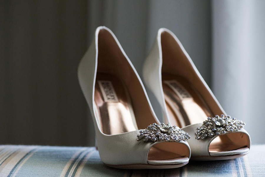 wedding lighting bride shoes