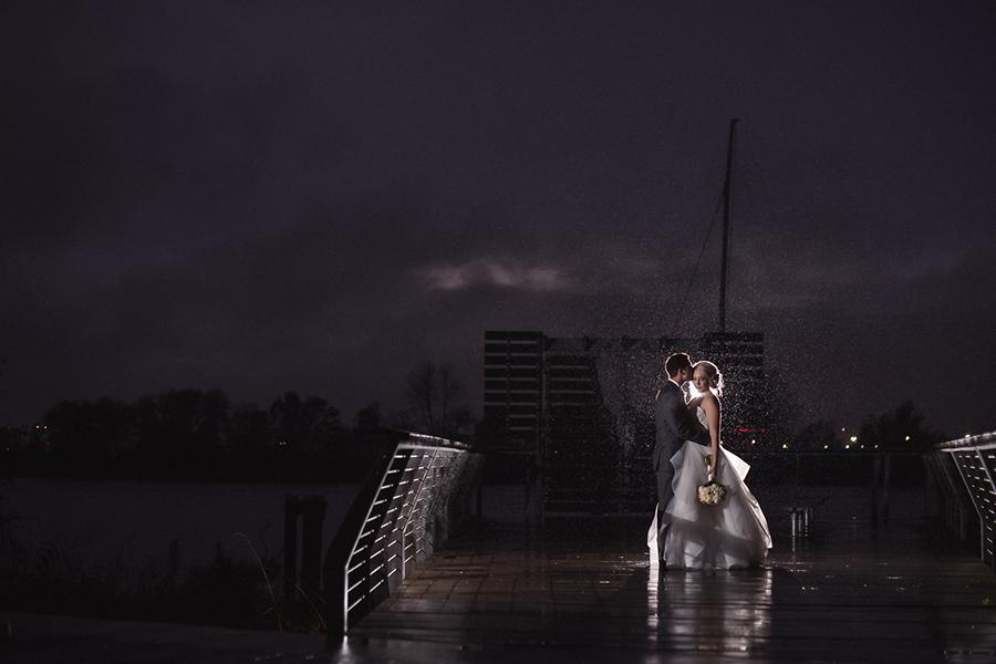 bride and groom kicker and rim light