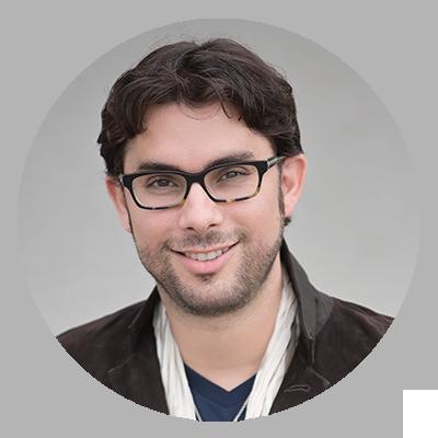 Roberto Valenzuela headshot - speaker at WPPI 2019
