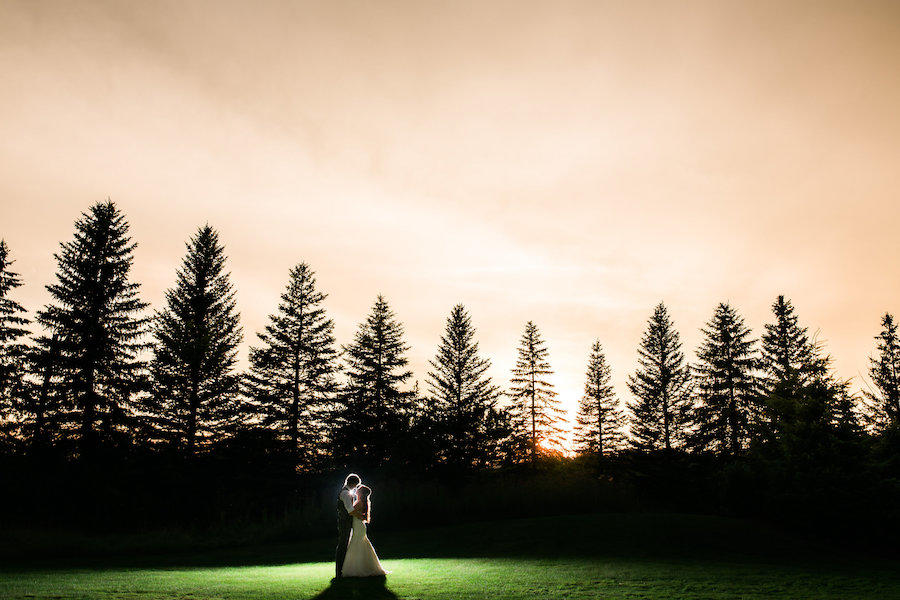 wedding outdoors photography
