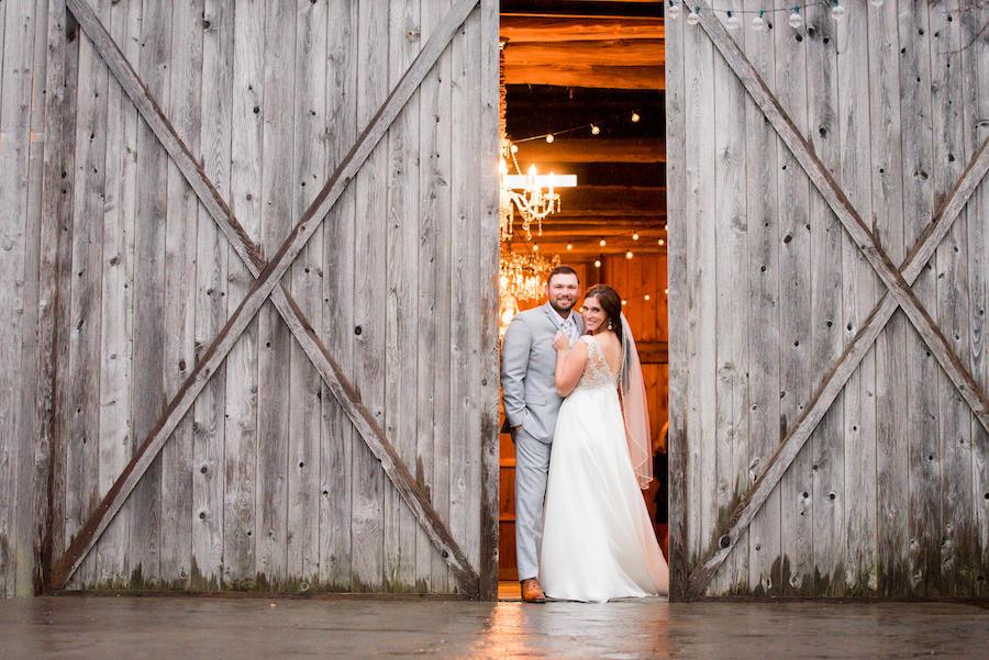 barn door couple portraits