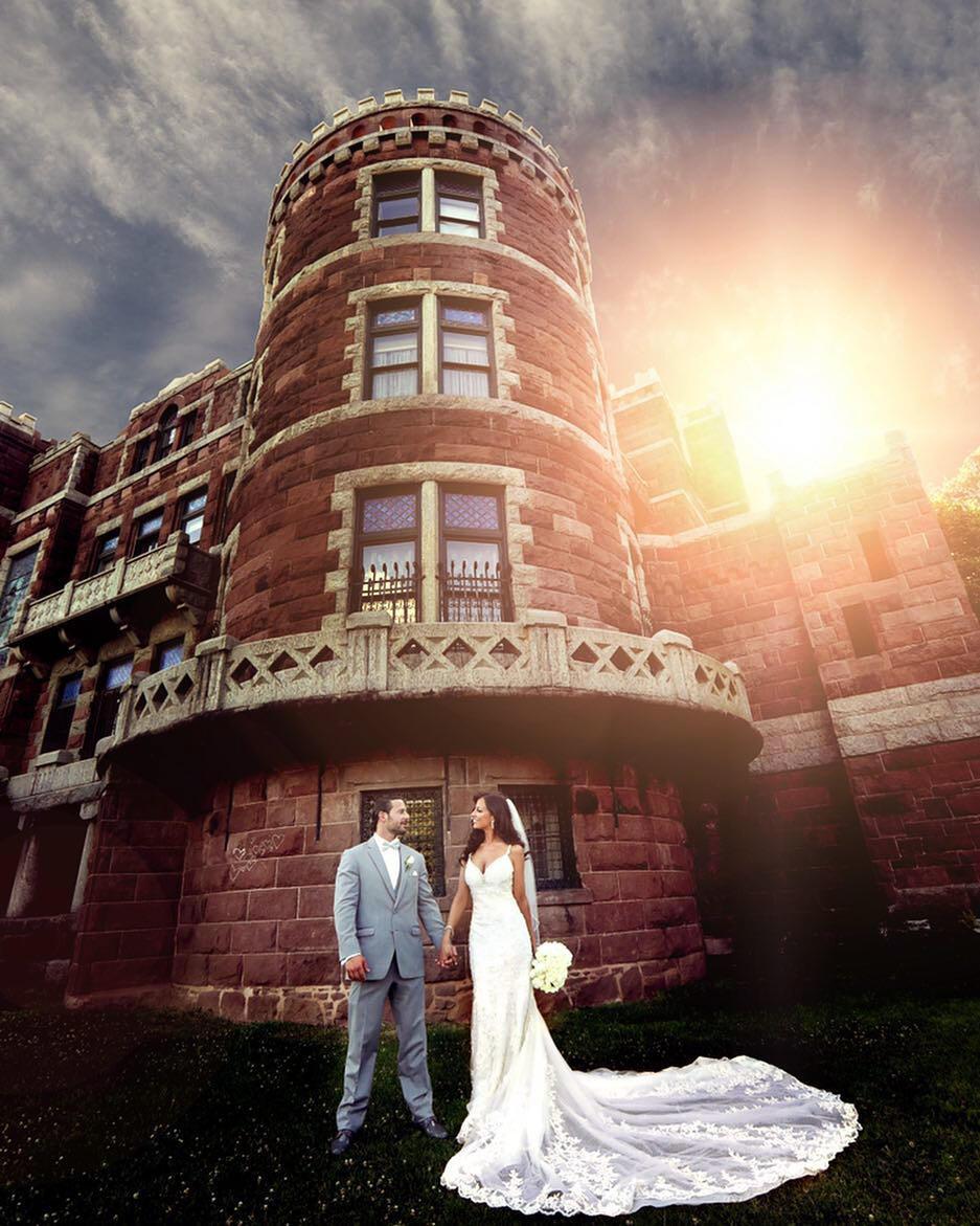 A bride & groom wedding photoshoot by famous wedding photographer Orlando Oliveira.