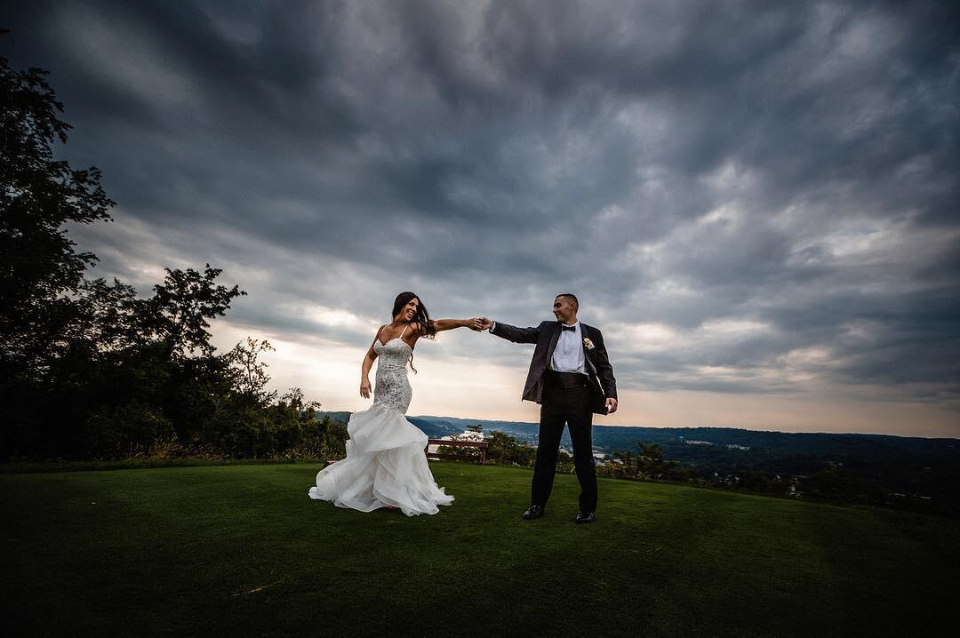 Photograph a Wedding When It Rains