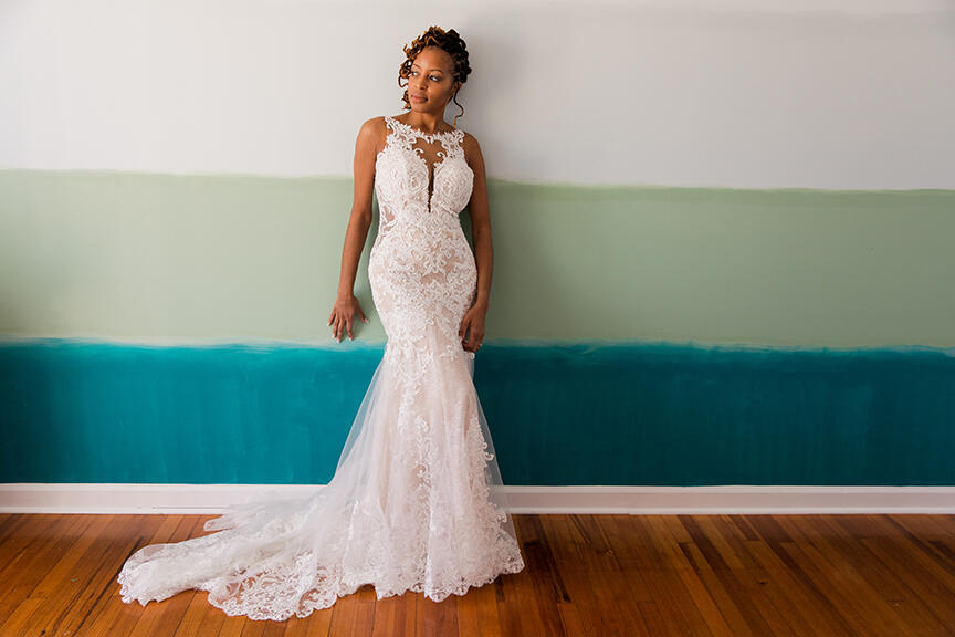 Black history month feature image  by Flavio DeBarros of a bride of color posing